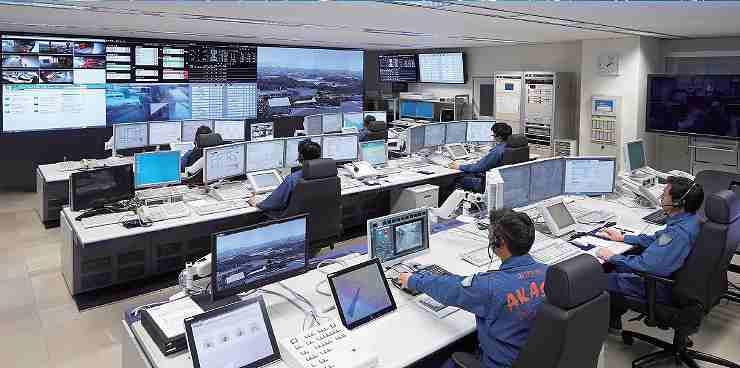情報指令指令室の全景